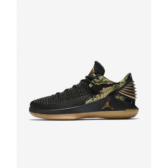 Tenis Basquete Nike Air Jordan XXXII Low Homem Pretas/Branco/Metal Douradas 898STACH
