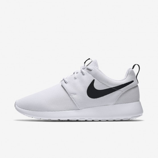 Nike Roshe One Lifestyle Shoes For Women White/Black 274QMEIY