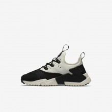 Nike Huarache Run Drift Lifestyle Shoes For Boys Black/White/Sail 417EORJM
