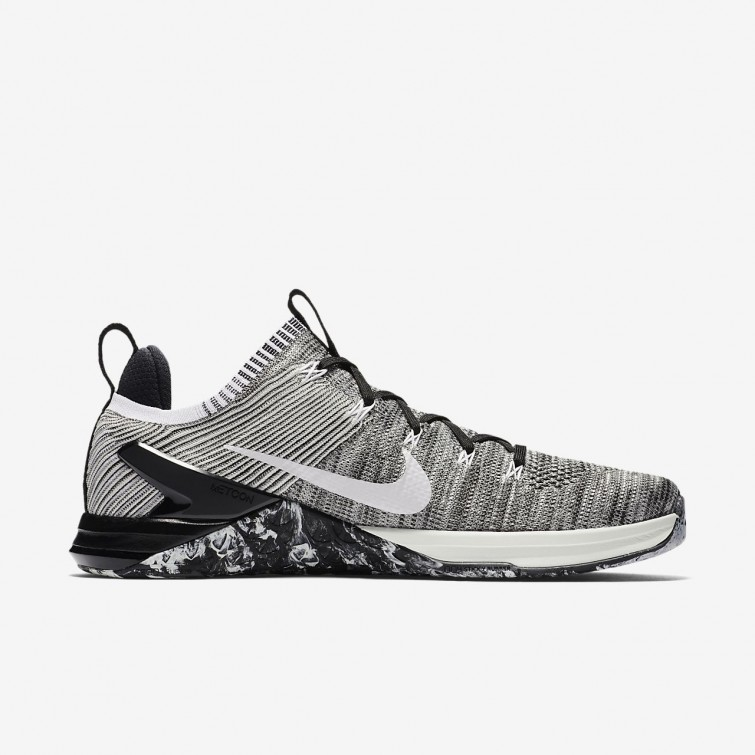 fc16ecb73eaa6 ... Nike Metcon DSX Flyknit 2 Training Shoes For Men Matte Silver Light  Silver Sail ...